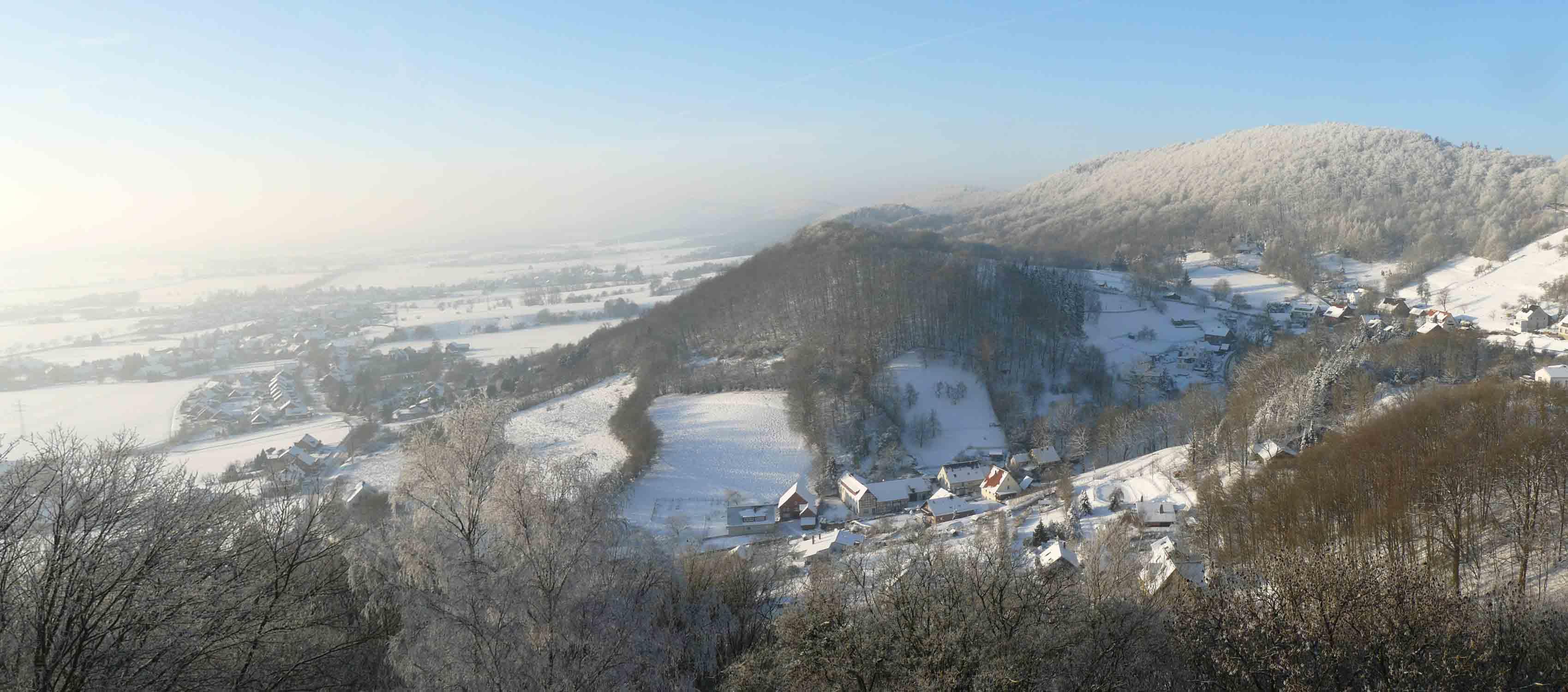 Blick von der Schaumburg auf Rosenthal im Winter